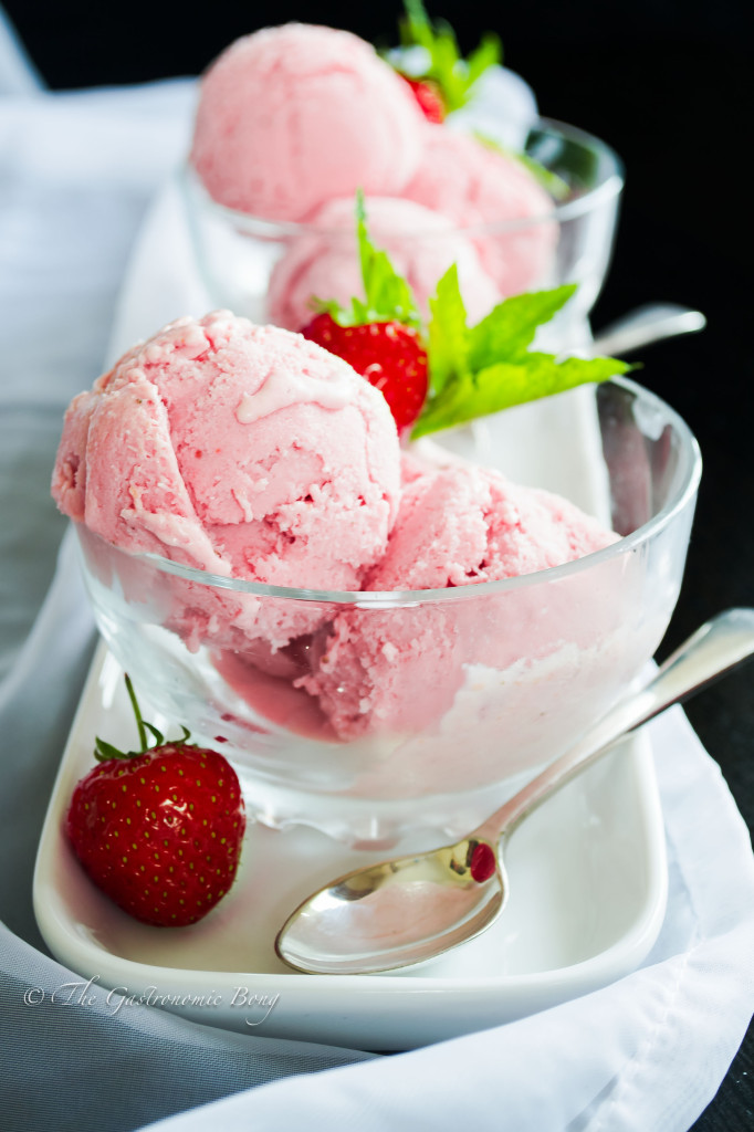 Fresh Strawberry Ice Cream | Ice Cream without ice cream maker | The ...