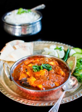 Kashmiri Paneer (Cottage Cheese) in Tomato – Fennel Curry