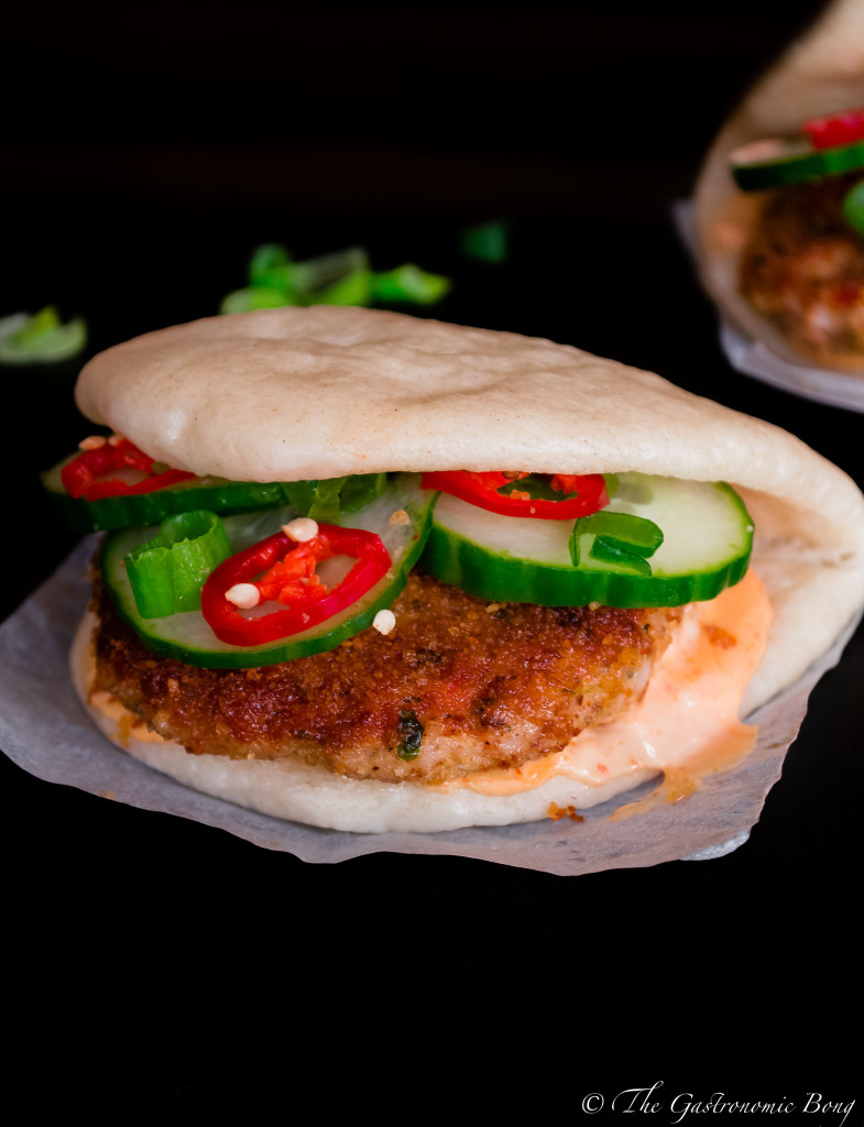 crispy prawns cake in steamed folded buns12