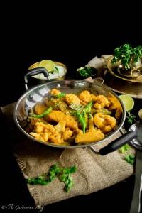 Salmon Curry With Cauliflower And Potato (Aloo Fulkopi Diye Macher Jhol)